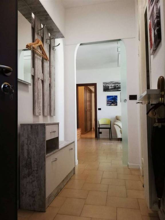 Legnano zona frati, appartamento completamente ristrutturato situato al secondo ed ultimo piano composto da ingresso, bagno luminoso con doccia,