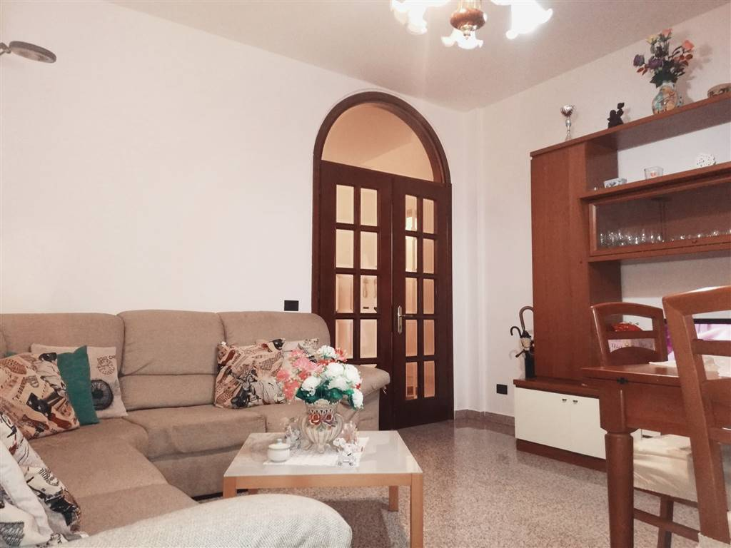 SAN DOMENICO, LEGNANO, Apartment for sale of 85 Sq. mt., Good condition, Heating Individual heating system, placed at 1° on 1, composed by: 5 Rooms,