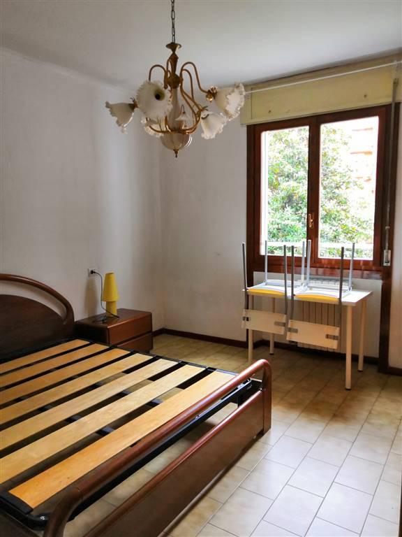 AFFITTASI camera matrimoniale per brevi periodi: Camera: - VINTAGE (camera matrimoniale) Canone mensile: 730€ Le stanze si trovano in un fantastico