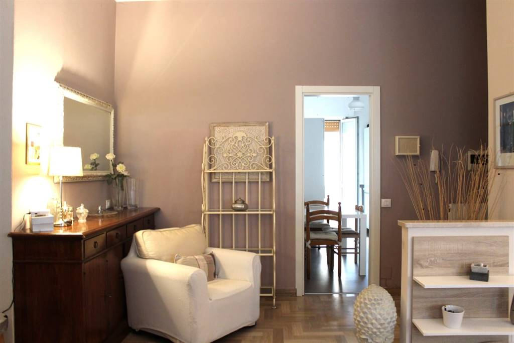 OSPEDALE, LEGNANO, Apartment for sale of 111 Sq. mt., Restored, Heating Centralized, Energetic class: G, Epi: 398,01 kwh/m2 year, placed at Raised,