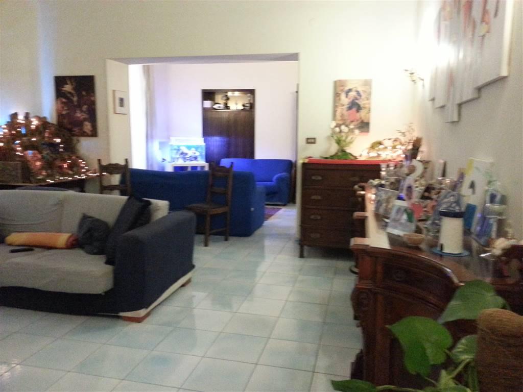 Appartamento in Piazza San Francesco, Centro, Salerno