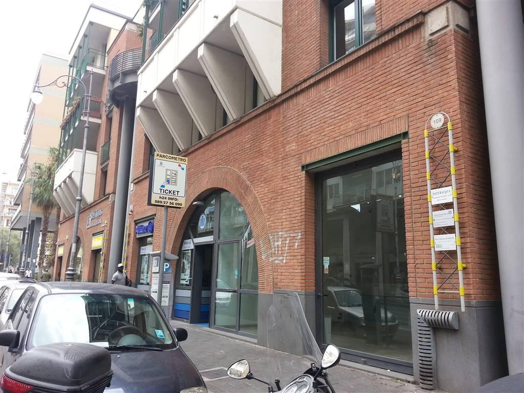 Negozio in Corso Garibaldi, Centro, Salerno