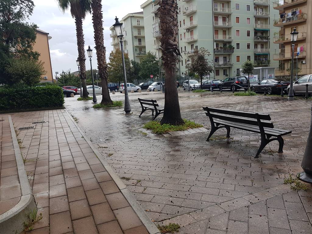 PASTENA, SALERNO, Shop for sale of 180 Sq. mt., Excellent Condition, Energetic class: G, placed at Ground, composed by: 2 Rooms, 1 Bathroom, Price: €