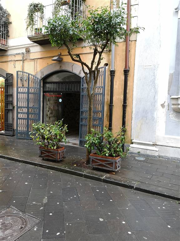 CENTRO, SALERNO, Shop for sale of 28 Sq. mt., Be restored, Energetic class: G, placed at Ground, composed by: , 1 Bathroom, Price: € 110,000