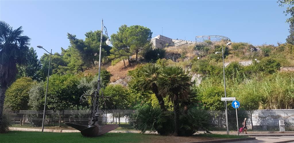 Appartamento in Via Berta, Torrione, Salerno