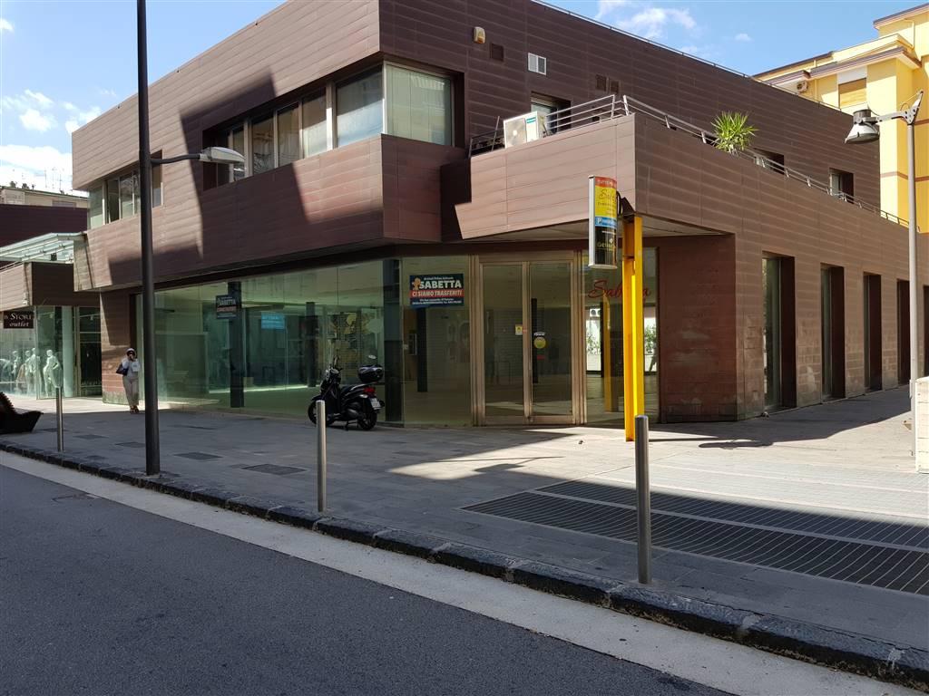 TORRIONE, SALERNO, Ufficio in vendita di 25 Mq, Nuova costruzione, Riscaldamento Autonomo, Classe energetica: G, Epi: 175 kwh/m3 anno, posto al piano