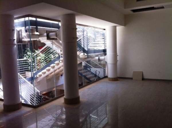 Negozio / Locale in affitto a Salerno, 1 locali, prezzo € 800 | CambioCasa.it