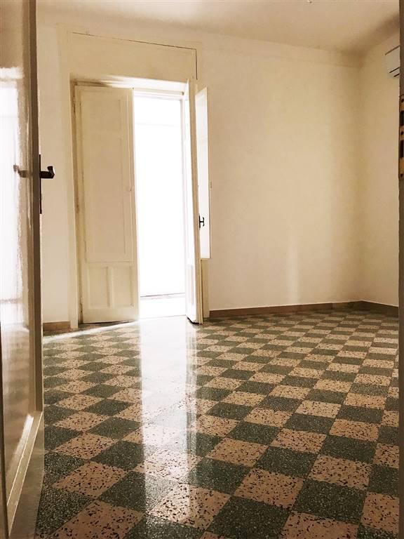 Appartamento in affitto a Salerno, 3 locali, zona Località: VERNIERI, prezzo € 720 | CambioCasa.it