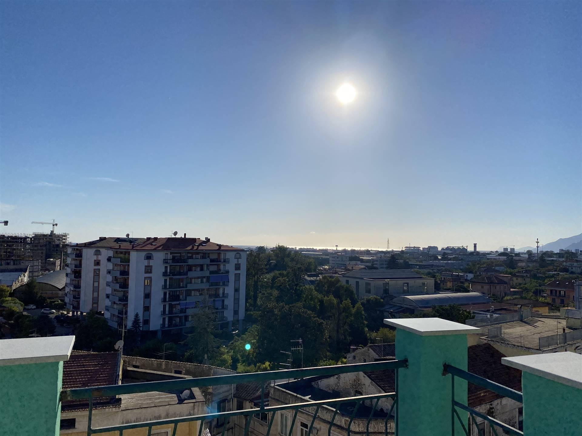 Appartamento in vendita a Pontecagnano Faiano, 4 locali, zona ecagnano, prezzo € 150.000 | PortaleAgenzieImmobiliari.it