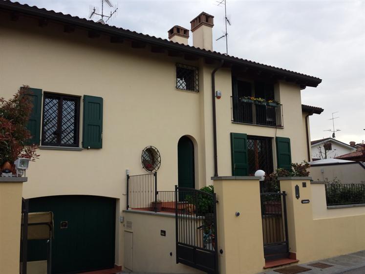 Villa in affitto a San Giorgio di Piano, 7 locali, prezzo € 1.550 | CambioCasa.it