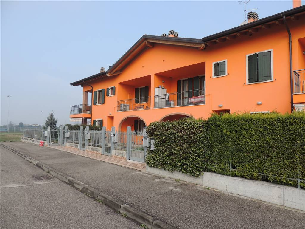 LUGAGNANO, SONA, Apartment for sale of 124 Sq. mt., Almost new, Heating Individual heating system, Energetic class: B, Epi: 60,328 kwh/m2 year,