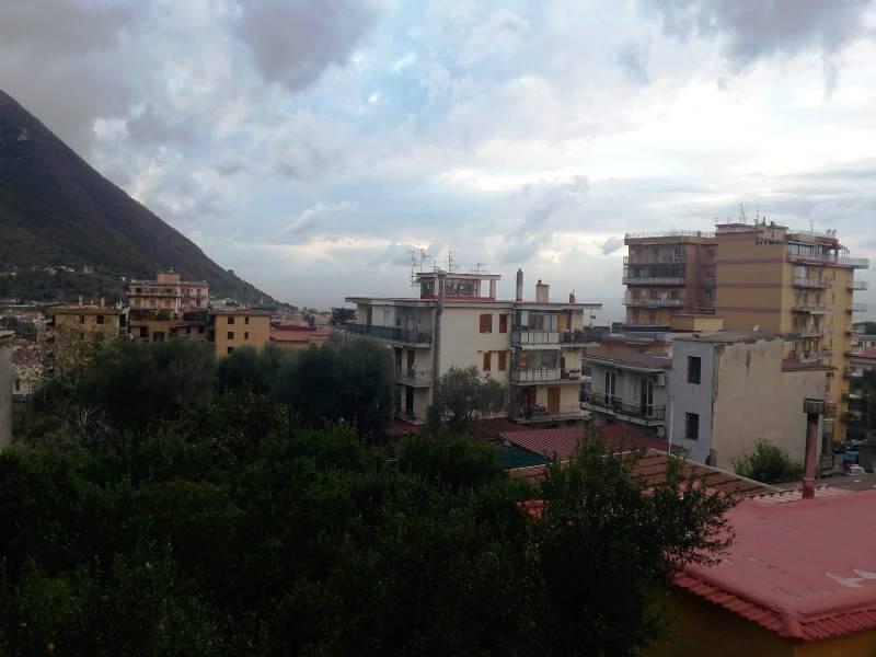 GRAGNANO, Appartement des location de 110 Mq, Bon , Chauffage Inexistant, Classe Énergétique: G, Epi: 1 kwh/m2 l'année, par terre 1°, composé par: 4