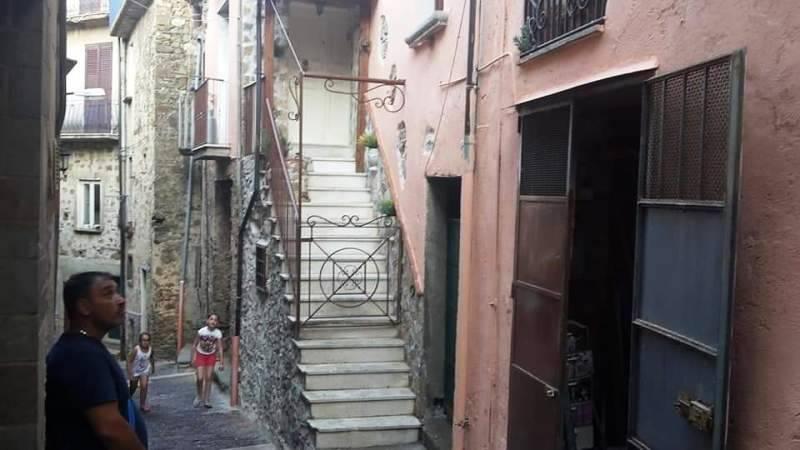 Soluzione Indipendente in vendita a Castel San Lorenzo, 2 locali, prezzo € 30.000 | CambioCasa.it