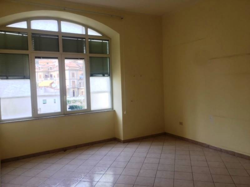 GRAGNANO, Apartment for rent of 60 Sq. mt., Good condition, Energetic class: G, Epi: 1 kwh/m2 year, placed at 1° on 4, composed by: 2 Rooms,