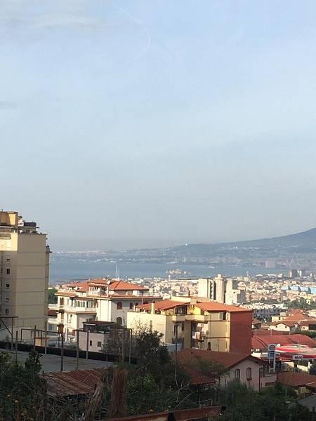 GRAGNANO, Appartamento in affitto di 65 Mq, Abitabile, Riscaldamento Inesistente, Classe energetica: G, Epi: 1 kwh/m2 anno, posto al piano 1° su 2,