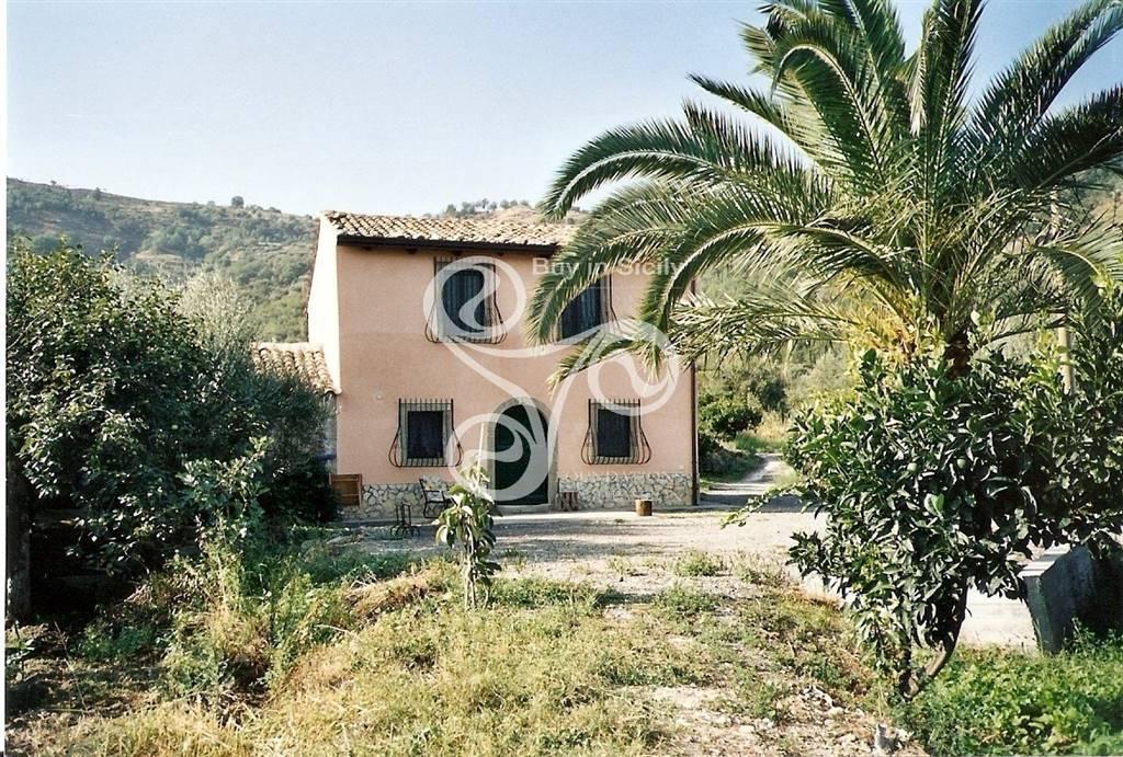 Rustico casale, Castiglione Di Sicilia, abitabile