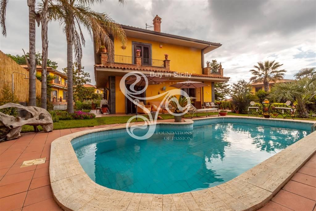 Villa in Via Perlasca Giorgio, Trecastagni