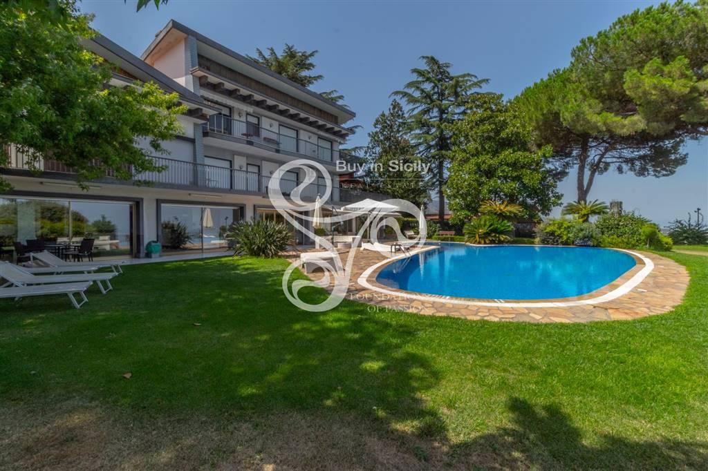 Villa in Via Enrico De Nicola, Trecastagni