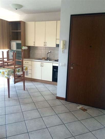 Appartamento in vendita a Prato, 3 locali, zona Zona: Chiesanuova, prezzo € 160.000 | CambioCasa.it