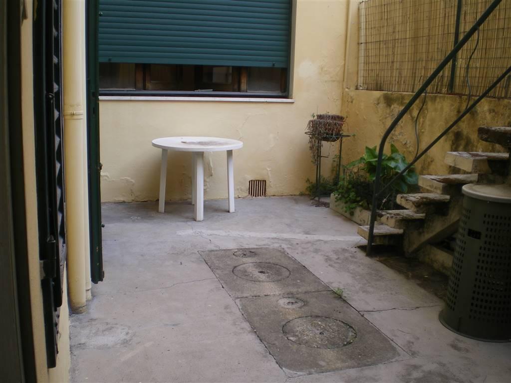 Terratetto, Pietà, Prato