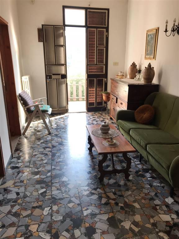 Soluzione Indipendente in vendita a Vernio, 5 locali, prezzo € 140.000 | CambioCasa.it