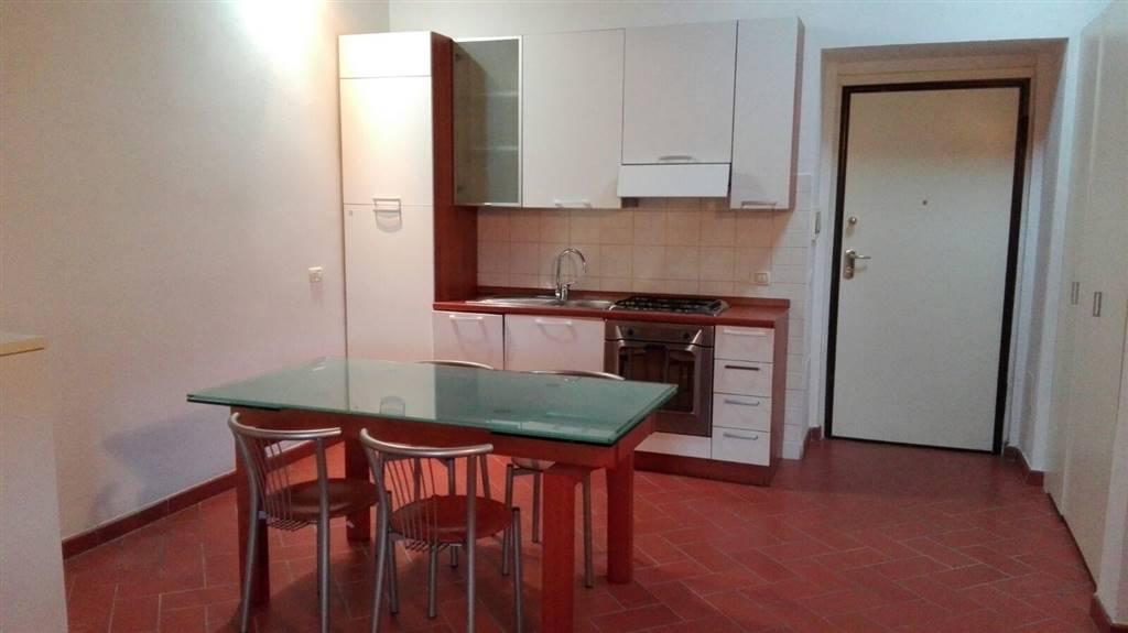 Appartamento in vendita a Prato, 3 locali, zona Zona: Centro storico, prezzo € 165.000 | CambioCasa.it