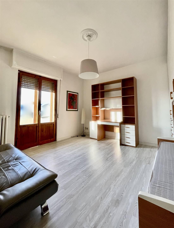 Appartamento in affitto a Prato, 3 locali, zona Zona: Valentini, prezzo € 700   CambioCasa.it