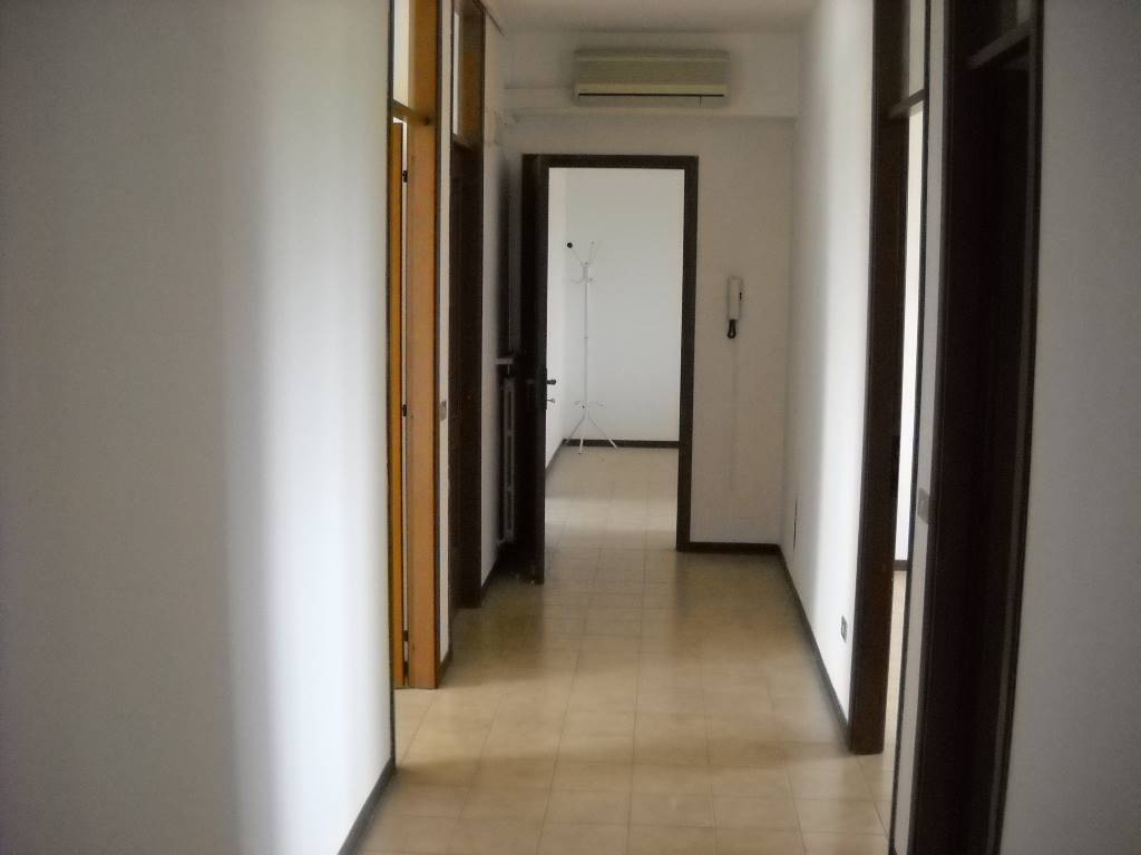 Ufficio, San Pellegrino,ospedale, Reggio Emilia, in ottime condizioni