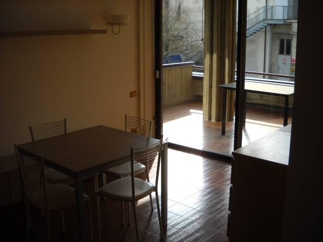 Affitto bilocale reggio emilia primo piano rif ri 156509 for Affitto appartamento arredato reggio emilia