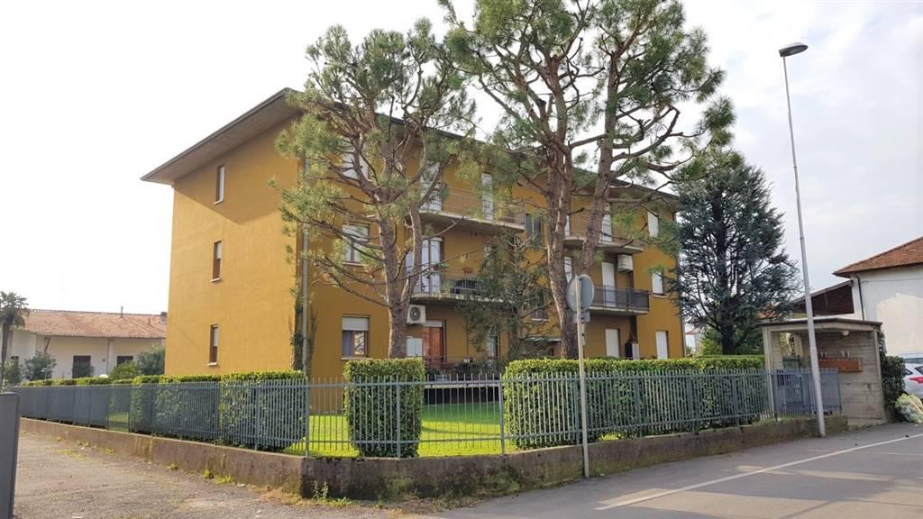 Trilocale in Via Don Santo Bonomi  10, Medolago
