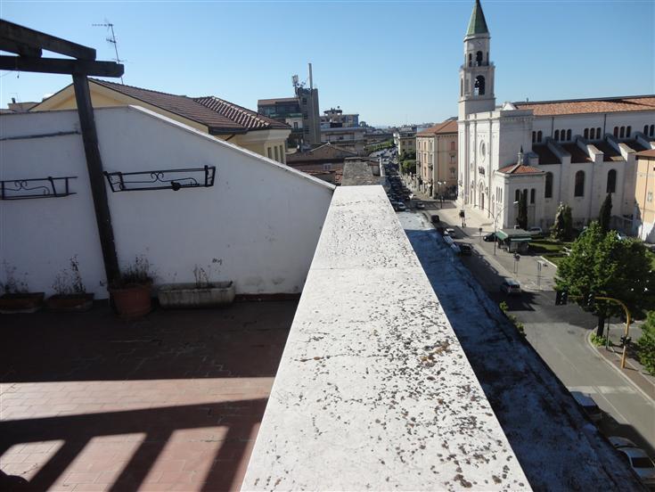 Appartamento in Via Gabriele D'annunzio  60, Centro, Pescara