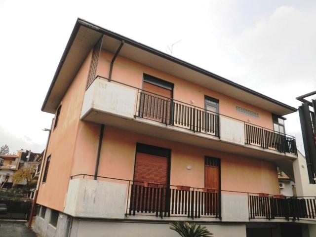 Appartamento in vendita a Trecastagni