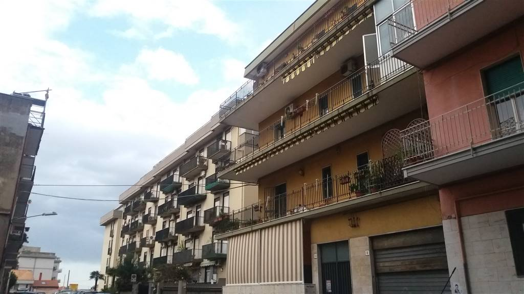 Trilocale in Via Francesco Gallo, Viale M. Rapisardi - Lavaggi, Catania