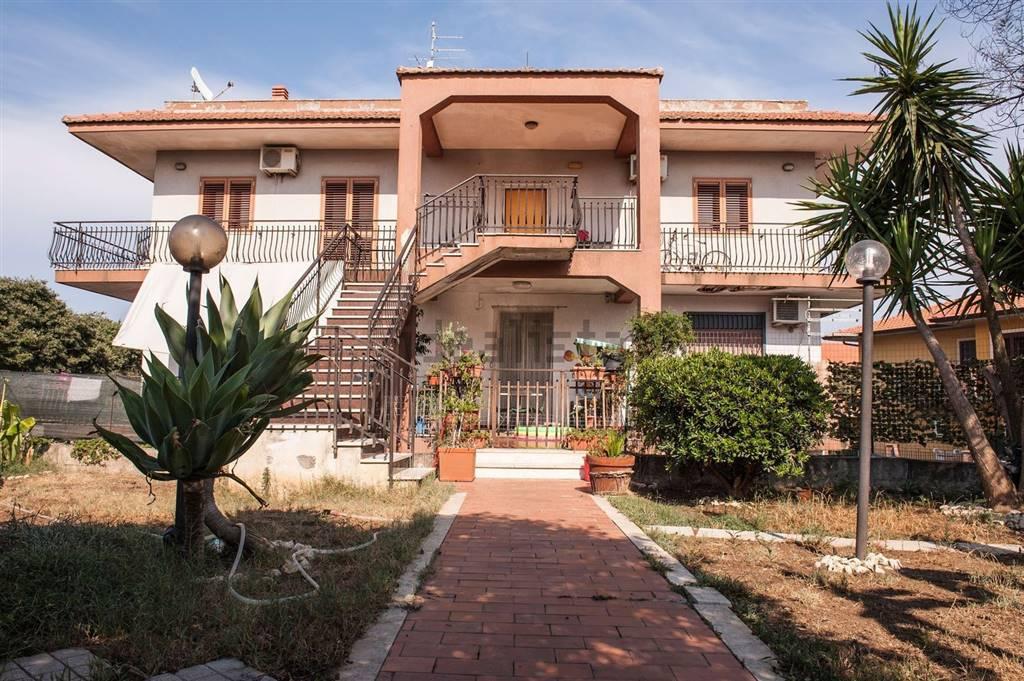 Appartamento indipendente in Via Scarcella 77, Trappeto, San Giovanni La Punta