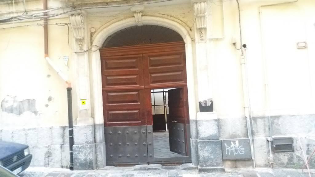 Quadrilocale in Via Ss Trinità, Zona Di Prestigio, Catania