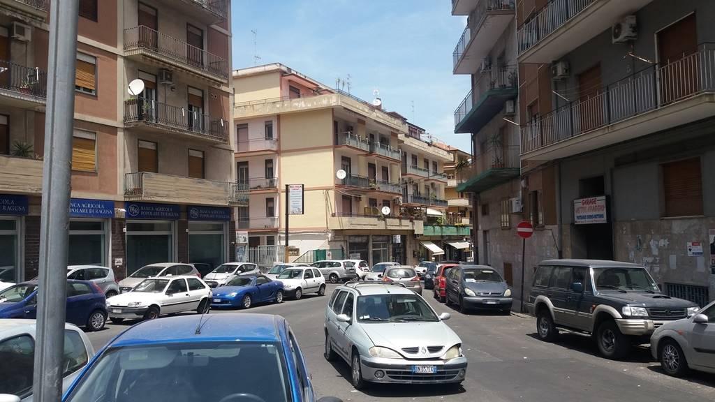 Magazzino in Via Dell'oro 108, Viale M. Rapisardi - Lavaggi, Catania