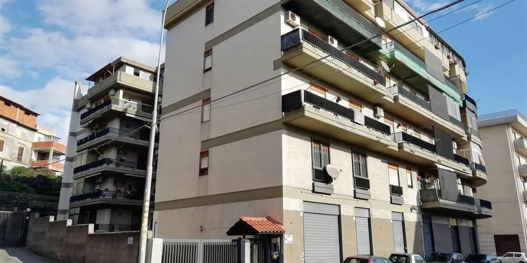 Trilocale in Via Generale Maravigna 5, Viale M. Rapisardi - Lavaggi, Catania