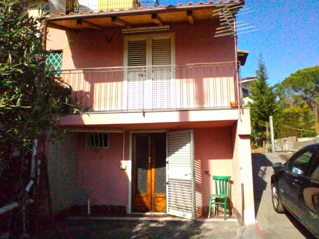 Bilocale in Via Paterno' 137, Ragalna