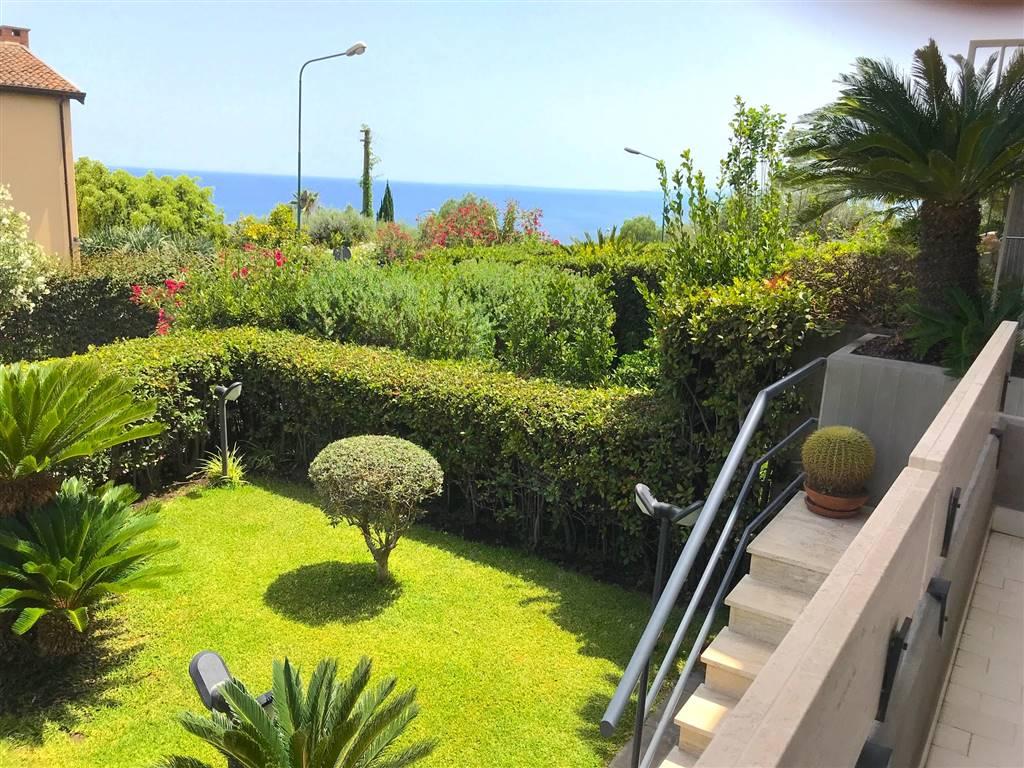 Villa a schiera in Via Brenta 1, San Gregorio Di Catania