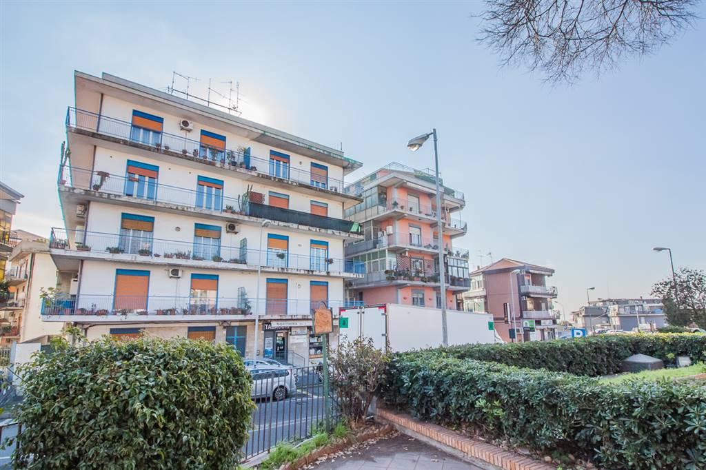 Trilocale in Via Gramsci 74, Gravina Di Catania