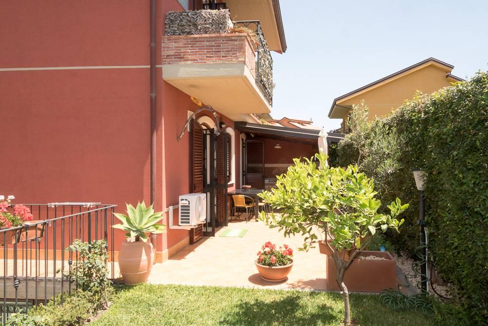 Villa a schiera in Via Raffaello Sanzio 1, San Gregorio Di Catania