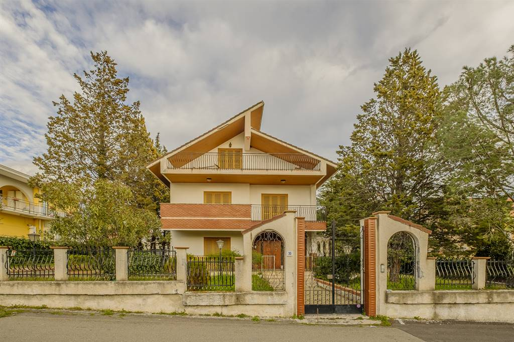 Villa in Via Del Sole,  30, Mascalucia