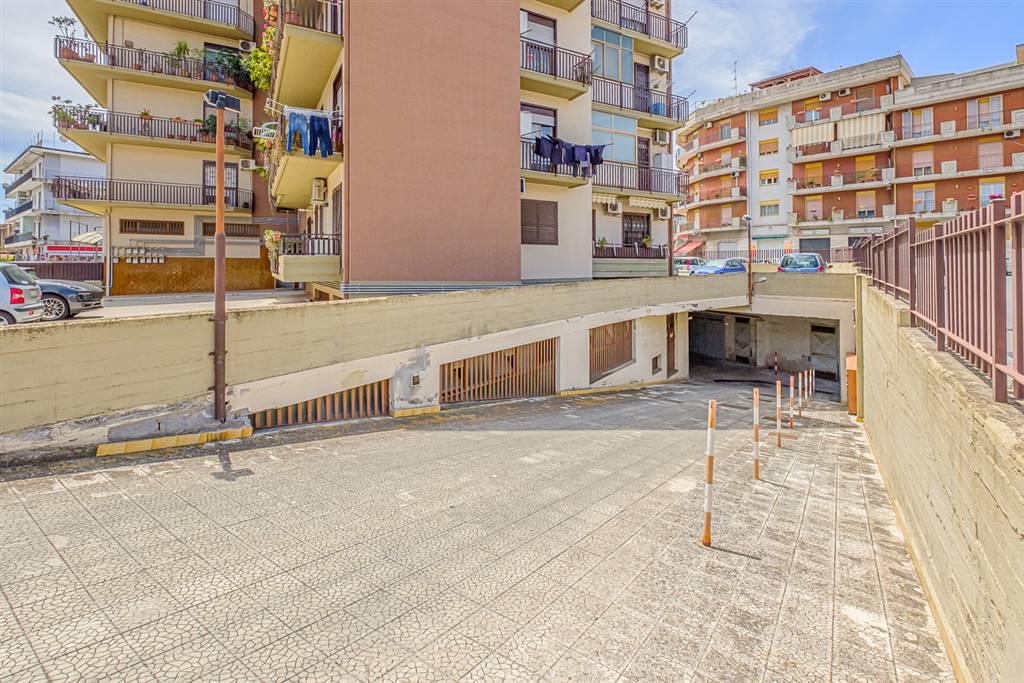 Magazzino in Via Curia  197a, Viale M. Rapisardi - Lavaggi, Catania