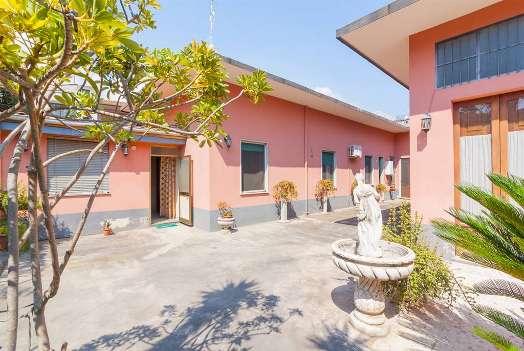 Casa singola in Vico Mandorlo 17, Giarre
