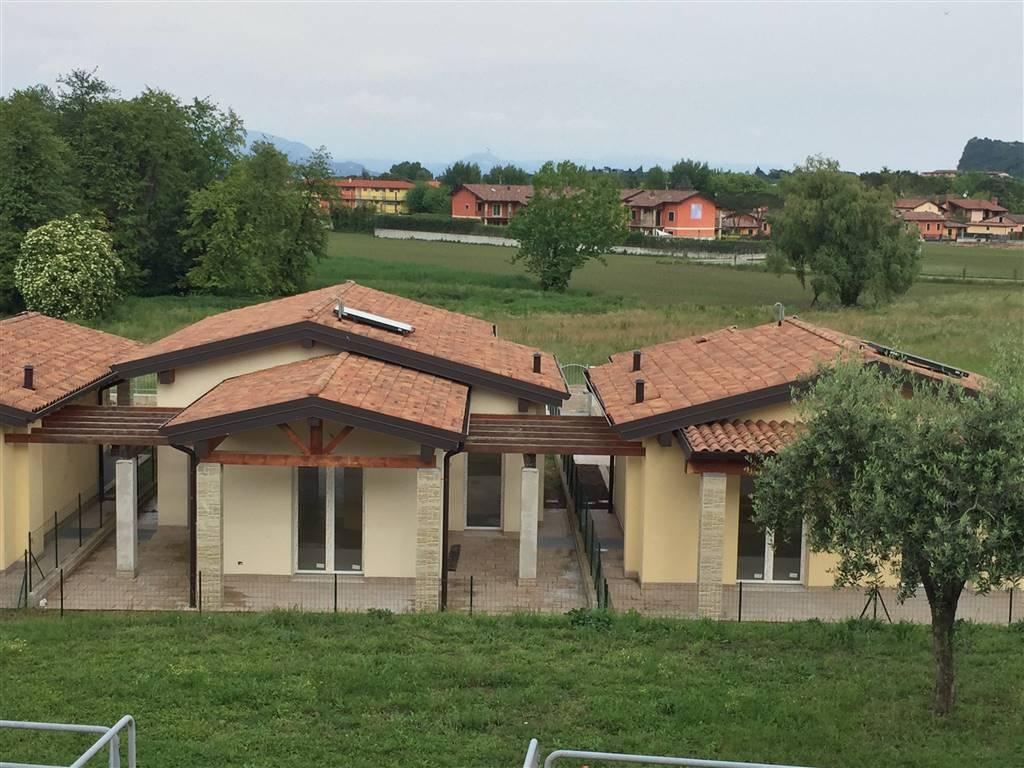 Villa in vendita a Manerba del Garda, 6 locali, prezzo € 390.000 | PortaleAgenzieImmobiliari.it