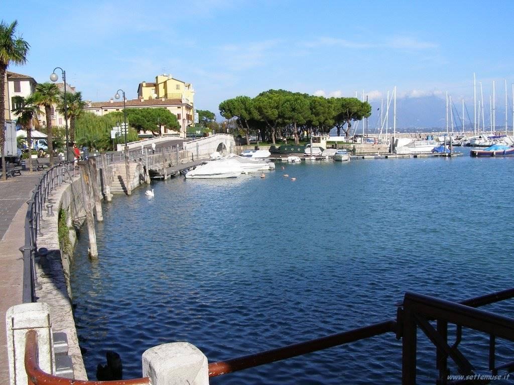 Attività / Licenza in affitto a Desenzano del Garda, 7 locali, zona Zona: centri: Desenzano del Garda, prezzo € 2.800 | CambioCasa.it