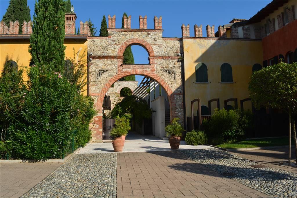 Appartamento in vendita a Soiano del Lago, 5 locali, prezzo € 580.000 | PortaleAgenzieImmobiliari.it