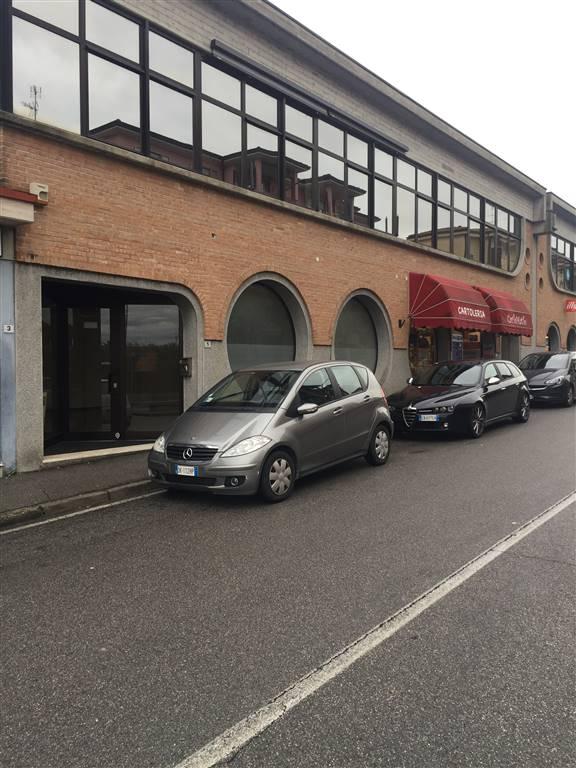 Attività / Licenza in affitto a Desenzano del Garda, 2 locali, zona Zona: centri: Desenzano del Garda, prezzo € 1.500 | CambioCasa.it