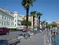 Attività / Licenza in affitto a Desenzano del Garda, 4 locali, zona Località: CENTRO, prezzo € 3.500 | CambioCasa.it
