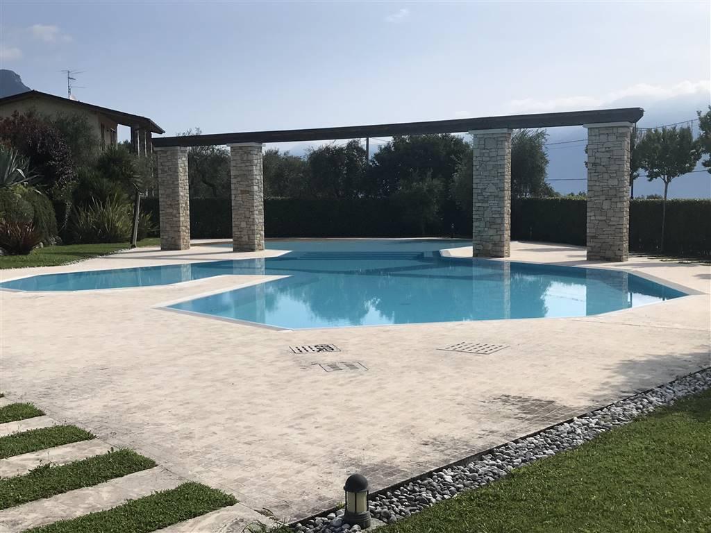 Foto esterni, piscina 7